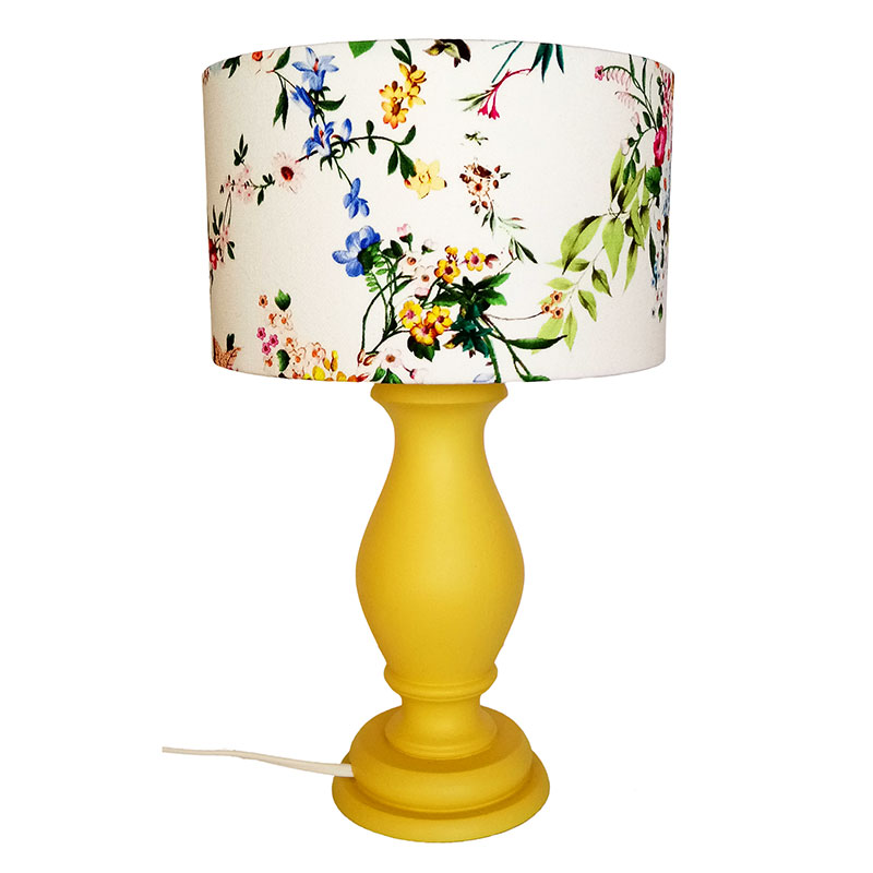 Sárga, virágos lámpa