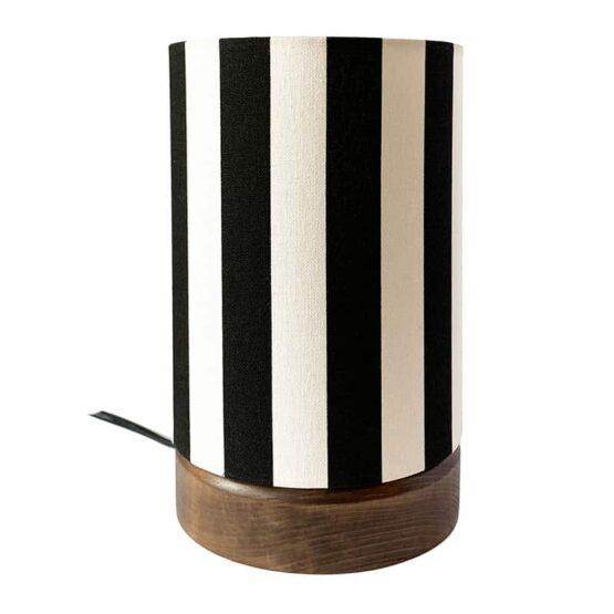Asztali lámpa fekete-fehér